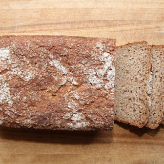 Kneadlessly Simple's 100% Whole Wheat Honey Bread.