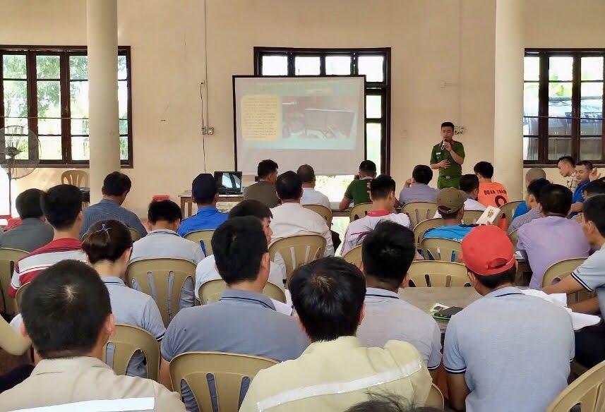 Tham gia lớp tập huấn có hơn 500 cán bộ, công nhân viên thuộc lực lượng PCCC cơ sở