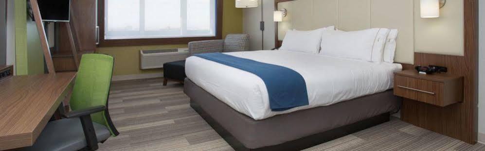 Holiday Inn Express Bronx Nyc Stadium Area