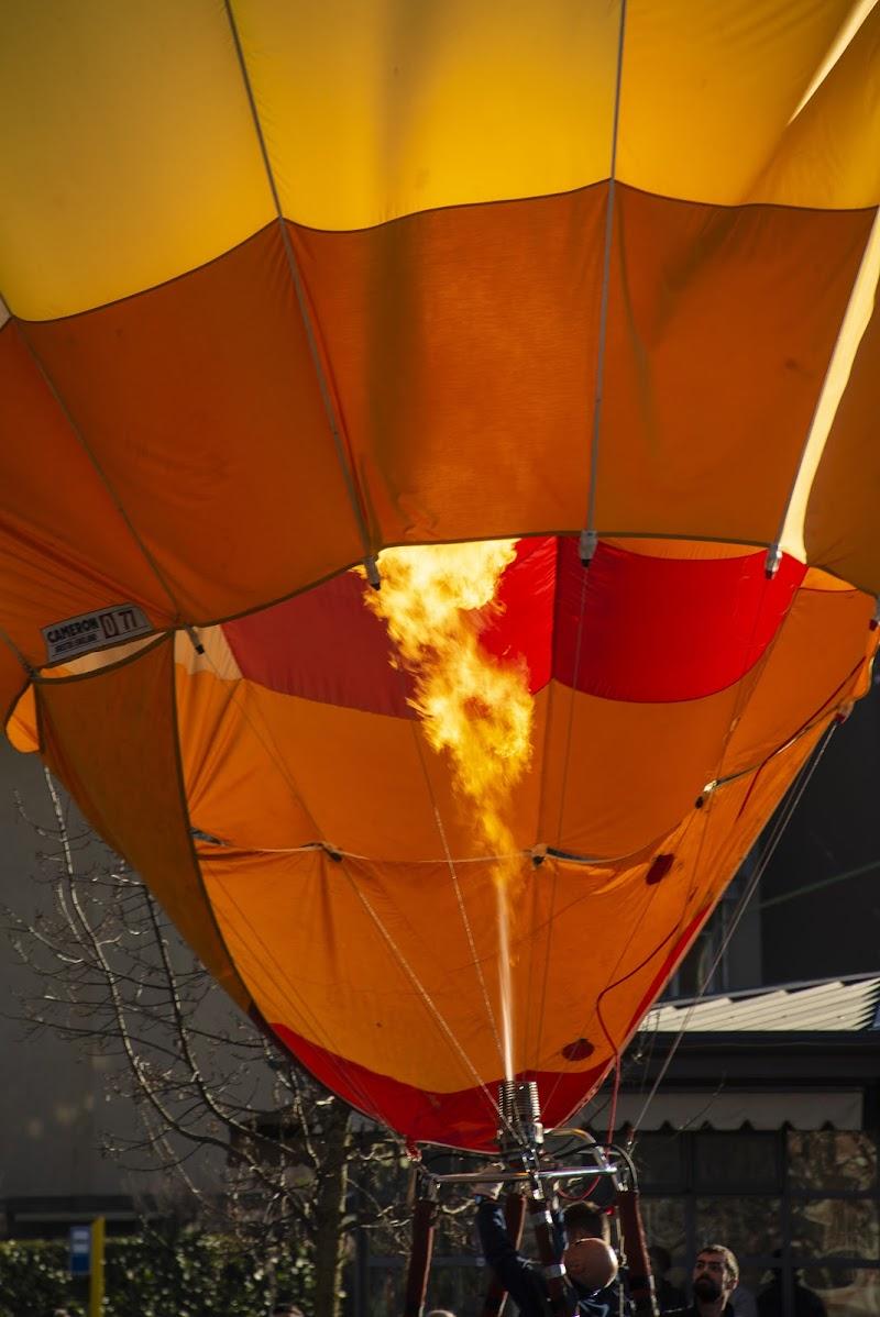 ...scaldiamo i motori...volo in mongolfiera di Gianva