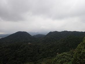 左に関富士、その右奥に観音山