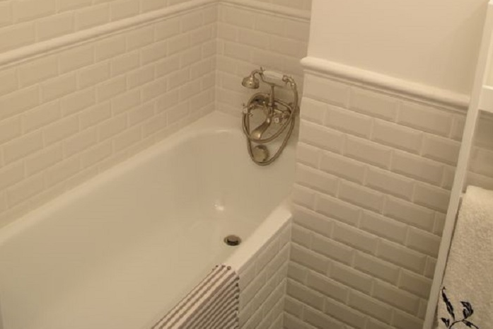 Bathroom at 2 Bedroom Apartment in Marais Charlot