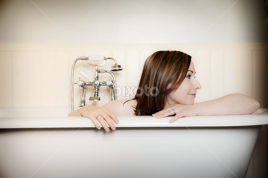 Nicola in the Bath by Ian Cartwright - People Portraits of Women ( pose, woman, bath, bathroom, portrait )