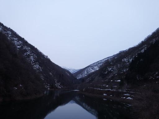 奥に三国岳