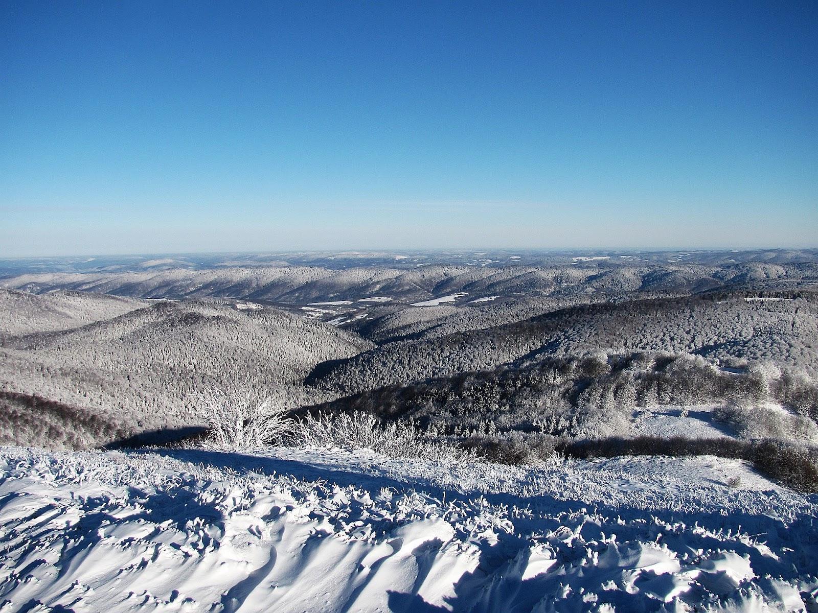 mountains-853449_1920.jpg