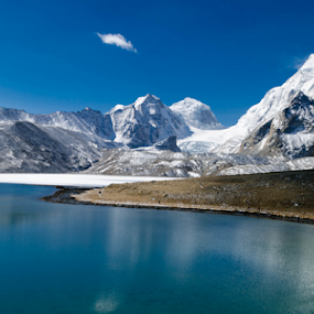 aura @ desert by Riju Banerjee - Landscapes Mountains & Hills ( mountains, snow, gurudongmar lake, lake, sikkim )