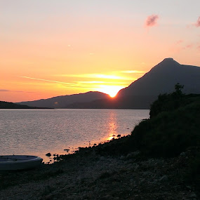 A Loch Assynt Sunset by Stephen Adshead - Landscapes Sunsets & Sunrises ( scotland, sunset, assynt, loch, boat )