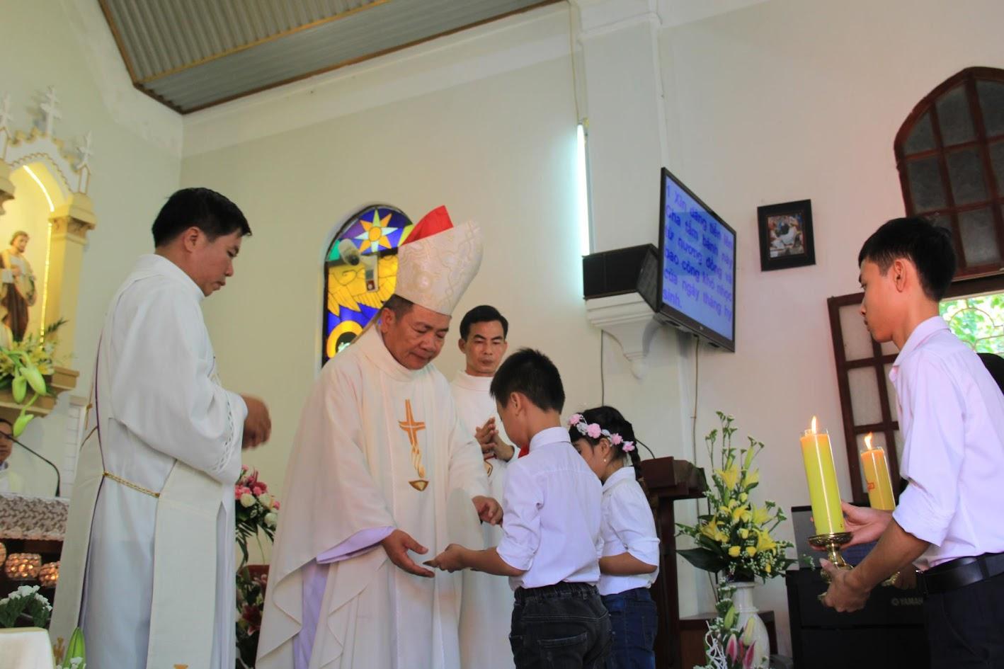 Giáo xứ Ngạn Sơn: Thánh lễ Bổn mạng và Làm phép Nhà mới - Ảnh minh hoạ 16