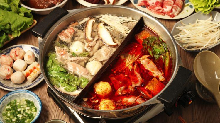 D:\KULINA\pict kulina\makanan dunia\sichuan-opera-and-hot-pot-dinner-in-chengdu-tour-2-451870_1539932386.JPG