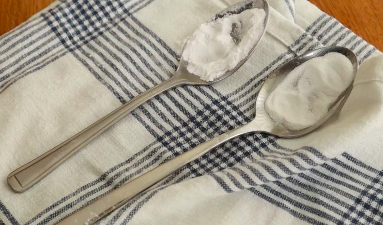 spoons with whtie stuff