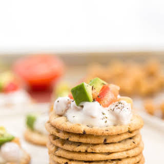 Greek Yogurt Chickpeas Topped Crackers.