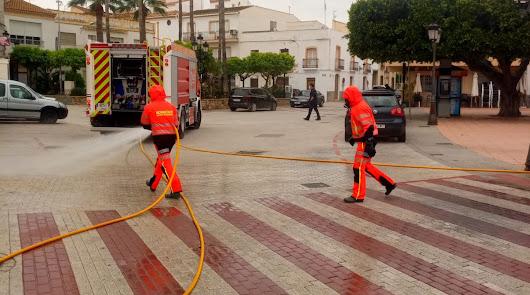La desinfección de Bomberos del Poniente y el Levante llega a 30 municipios