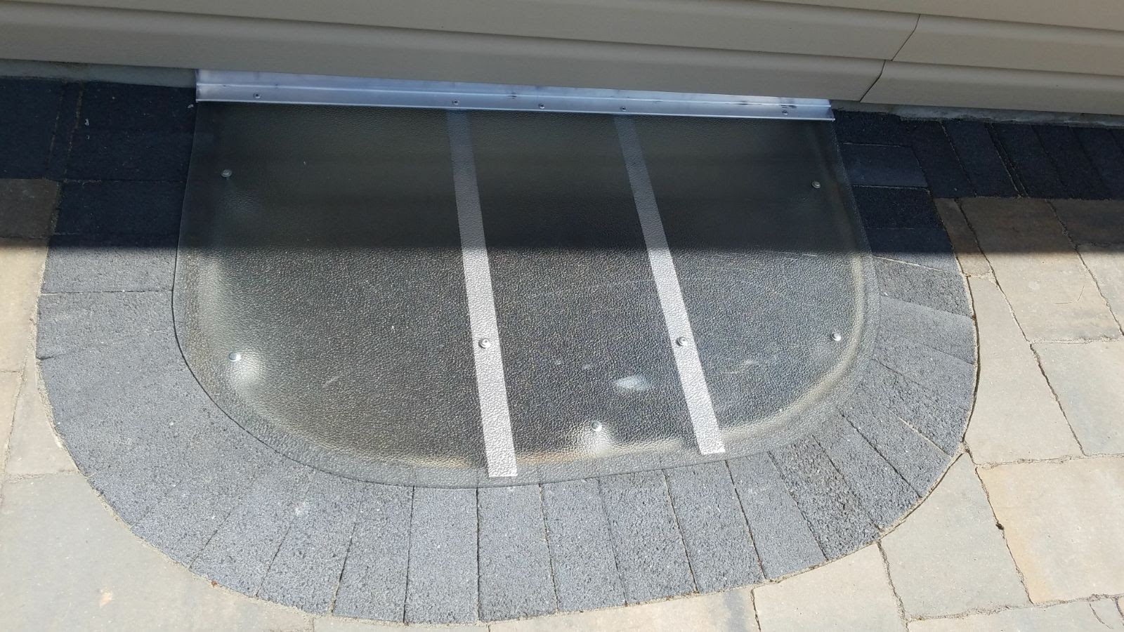 Oak Forest, IL-HandyManny Custom Window Well Covers