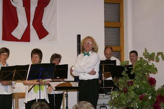 Photo: Der Leiter des Panflöten Chors Basel  Jörg Frei, aufgestellt in  fröhlicher Stimmung