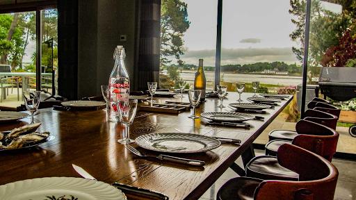 Propriété du Verdon, La vue de la table de la salle à manger