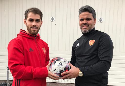 FC Jazz legenda Piracaia halusi auttaa FC Jazzia ja toi mukanaan taiturin punaisten testiin helmikuussa.