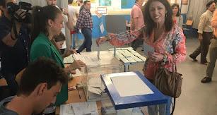 Bosquet, votando en el Nueva Almería