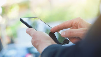 La aplicación abre el inicio de usuario de la red social para conseguir las claves de acceso.