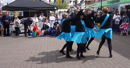 Photo: ENGLISH FLEXIBLE SWORD DANCING