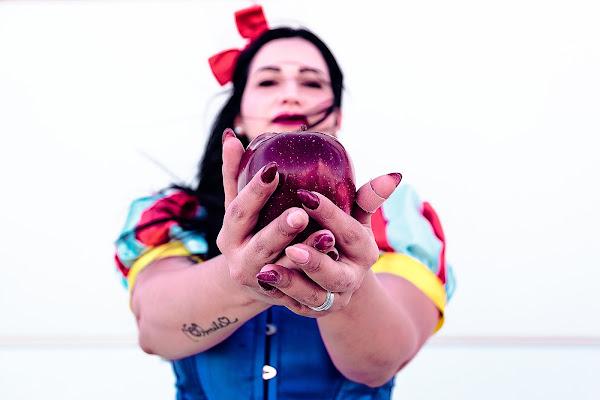 Questa mela è per te, non aver paura. di amedeozullojr