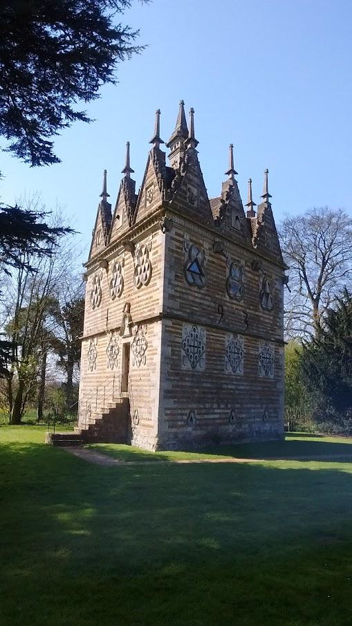 Rushden Triangular Lodge