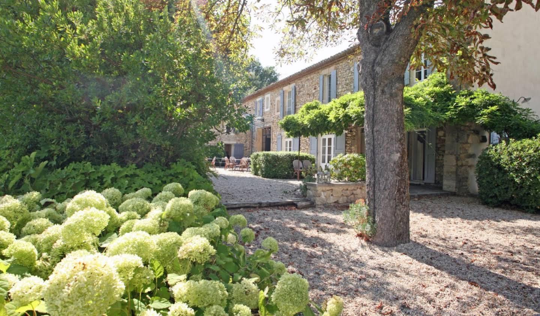 Maison avec piscine et terrasse Goult