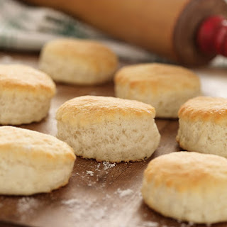 White Lily Classic 3 Ingredient Southern Biscuits.