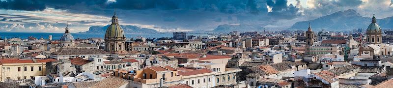Palermo vista dal Cassaro dalla chiesa di Montevergini di Francbaudo