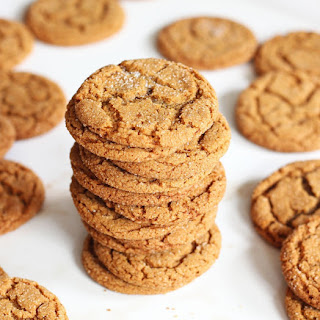 Cracked Top Ginger Cookies
