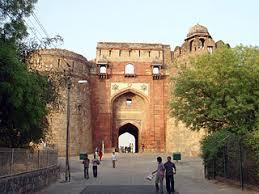 चित्र:Purana Qila 01.jpg - विकिपीडिया