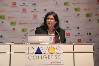 "Photo: Roma Balwani - presenting: ""Chief Comms Officer's Role"" Panel - 2012"