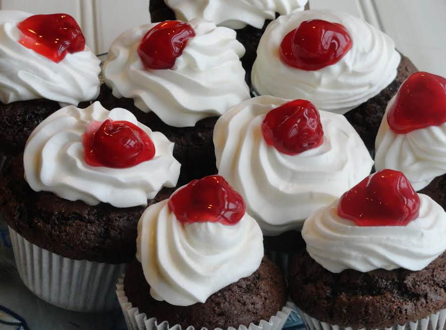 Black Forest Cake Recipes In Marathi: Black Forest Cupcakes Recipe