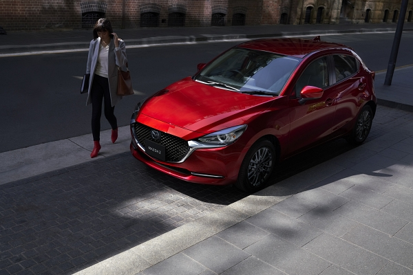 ด้านหน้าคือความเปลี่ยนแปลงที่เด่นชัดที่สุดของ Mazda 2 รุ่นปี 2019 ไมเนอร์เชนจ์