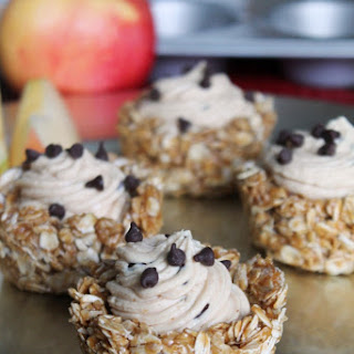 NO-BAKE PEANUT BUTTER GRANOLA CUPS
