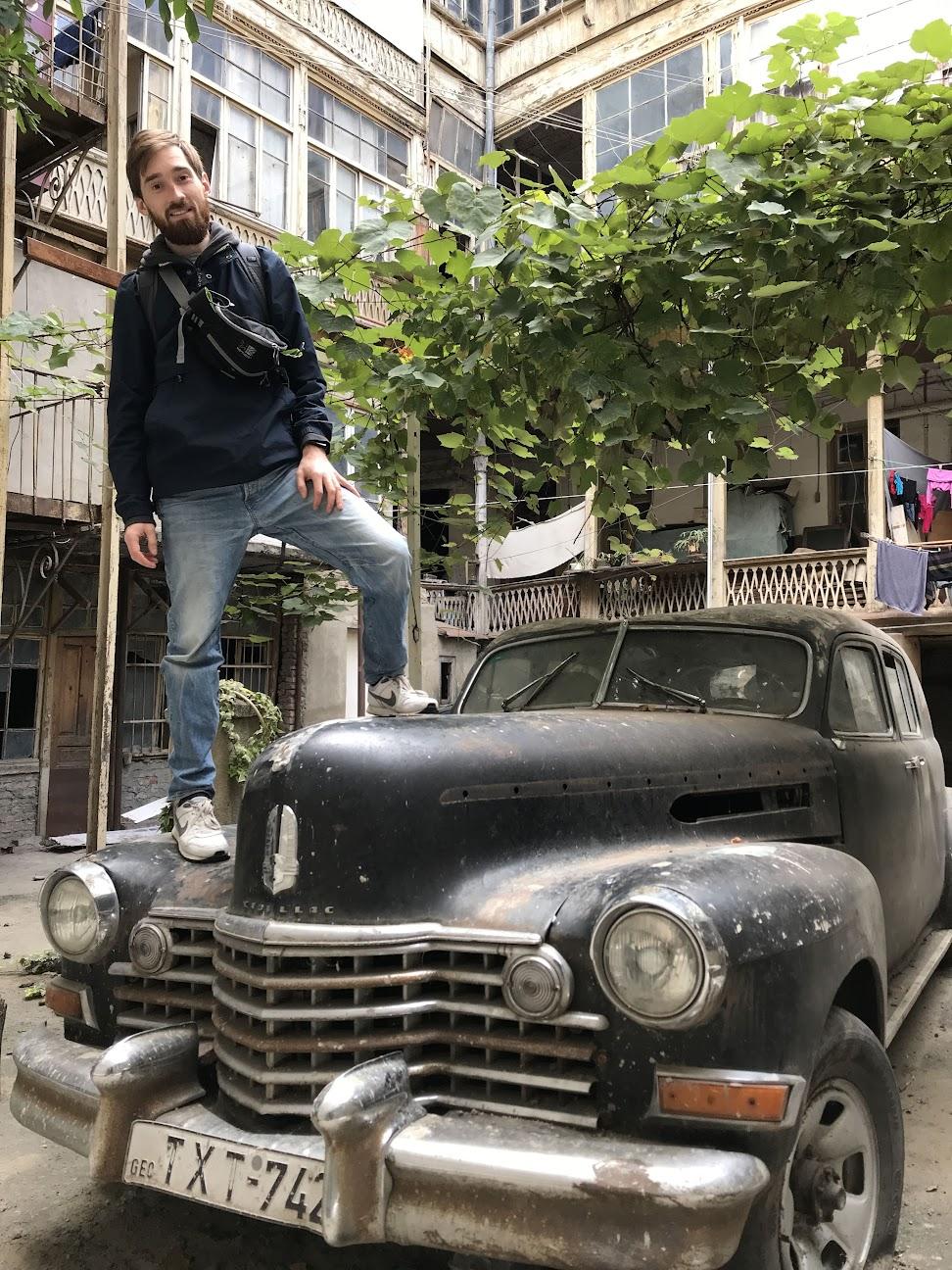 Старый Cadillac Тбилиси