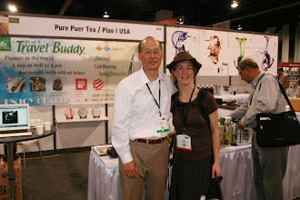 Photo: Larry and Zoe Guthrie, owner of Fox and Moon Tea, San Francisco.