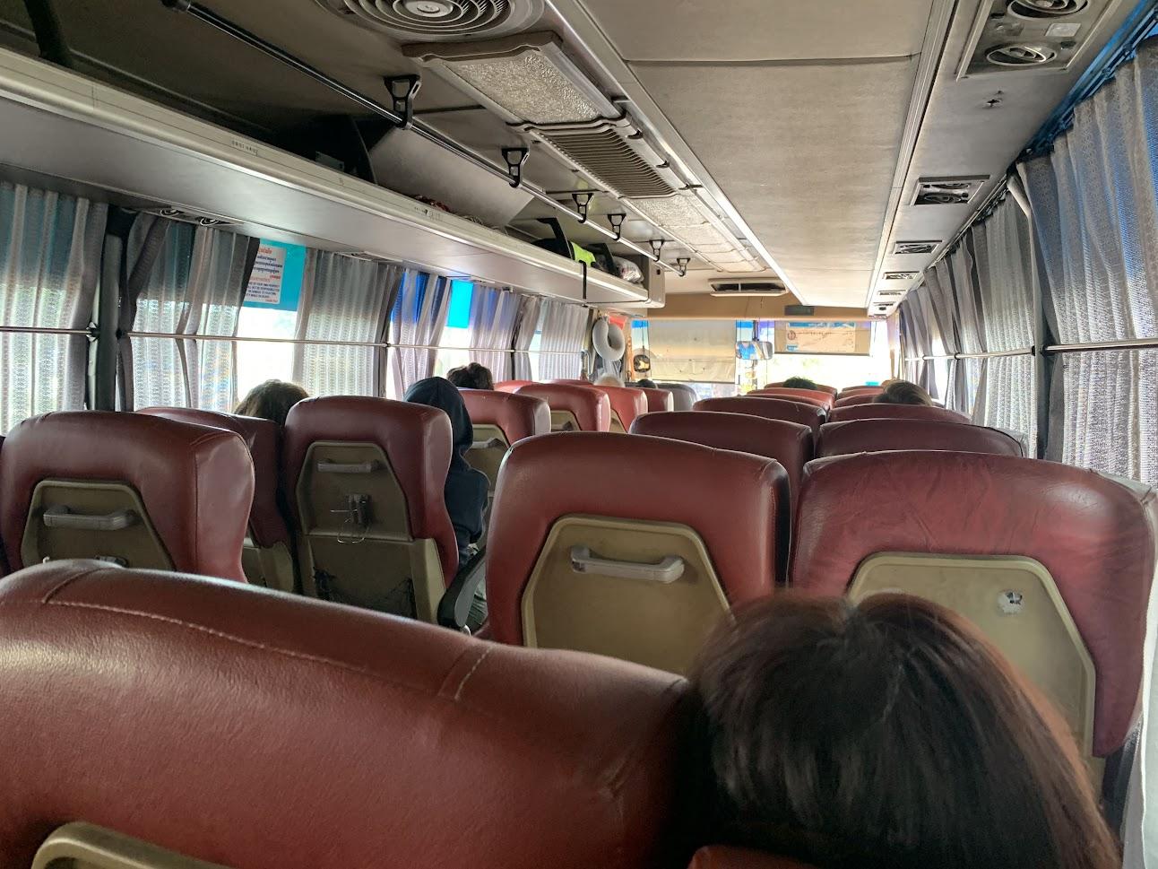 (キャピトルツアー・ポイペト行きバスの車内)