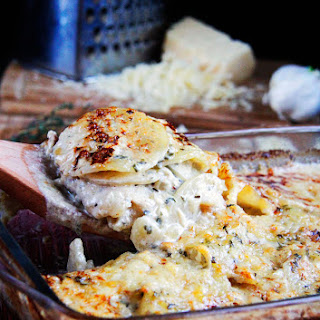 Herbed Gruyere Scalloped Potatoes & Bacon Au Gratin
