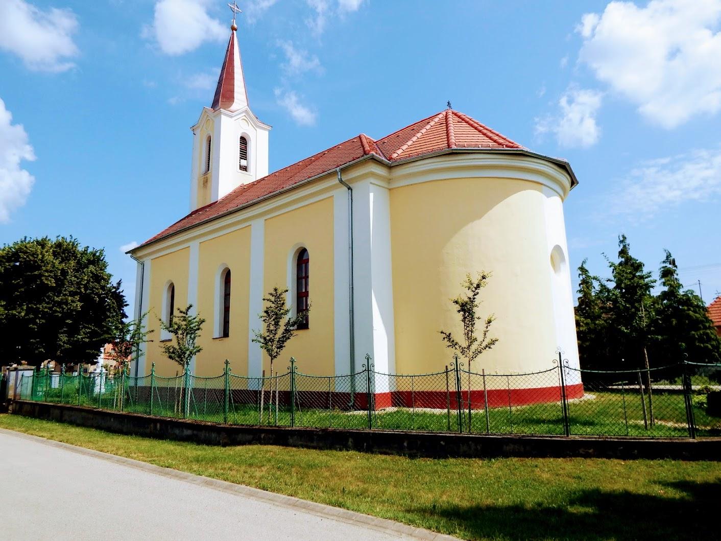 Sótony - Szentháromság rk. templom