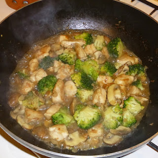 Saturday Night Stir Fry – Chicken, Broccoli and Mushroom's in an Oyster Sauce Gravy
