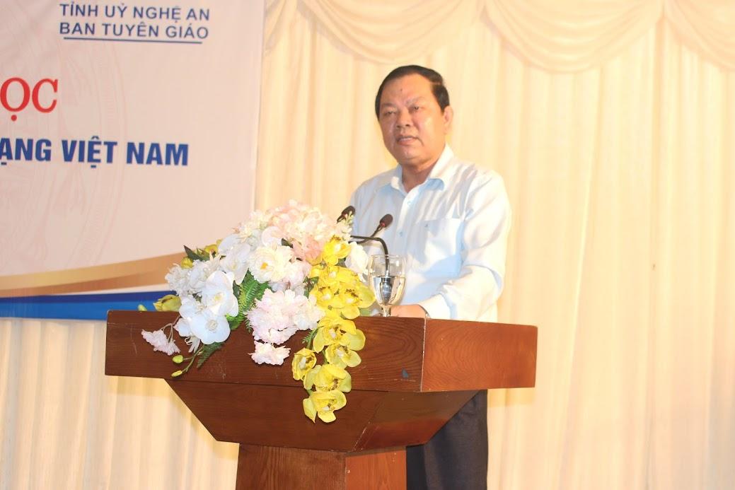 PGS.TS Trần Minh Trưởng, Viện trưởng Viện Hồ Chí Minh và các lãnh tụ của Đảng, Học viện Chính trị quốc gia Hồ Chí Minh phát biểu tại Hội thảo