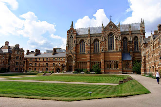 Photo: Keble College chapel, view across Liddon Quad.