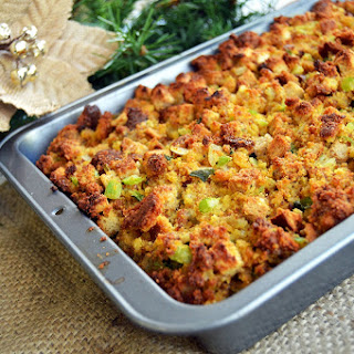 Simple Homemade Cornbread Stuffing
