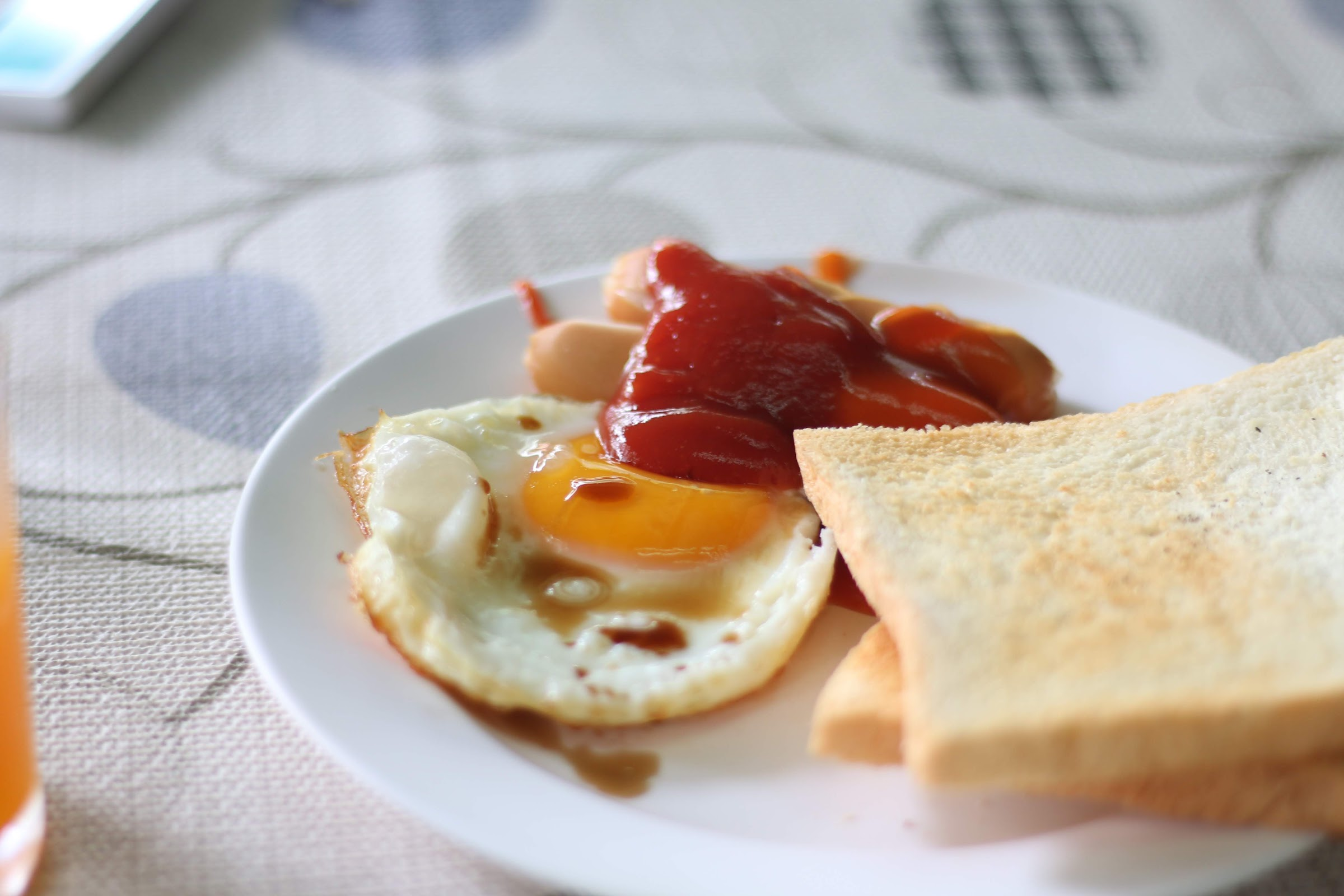 American Breakfast - อ่าวพร้าว บีช รีสอร์ท
