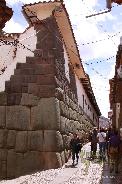 zid quechuan sau incas, al unei cladiri de pe strada Hatunrumiyoc, din Cusco, Peru