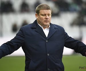 """Vanhaezebrouck doet er zelfs nog een (paars-wit) schepje bovenop: """"Dat is de nieuwe realiteit bij Anderlecht"""""""