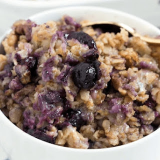 Banana Berry Crunch Baked Oatmeal