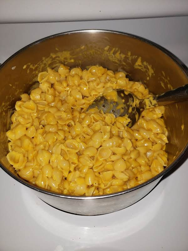 Macaroni Shells And Cheese Sauce With Butter