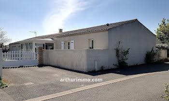 maison à La Laigne (17)