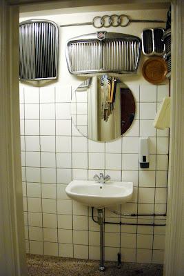 Bathroom in a Danish restaurant di Yuma